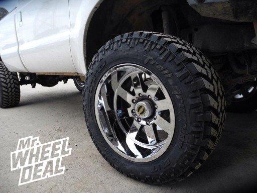 "20x12"" Moto Metal 962 Chrome Wheels with 35X12.50R20 Nitto Trail Grappler Tires"