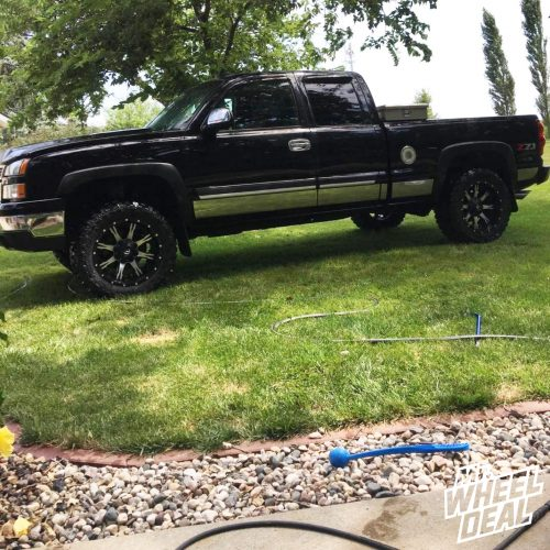 "20x10"" Fuel OffRoad Nutz wheels with 33x12.50R20 Federal Couragia MT tires on a 2006 Chevy SIlverado 1500"