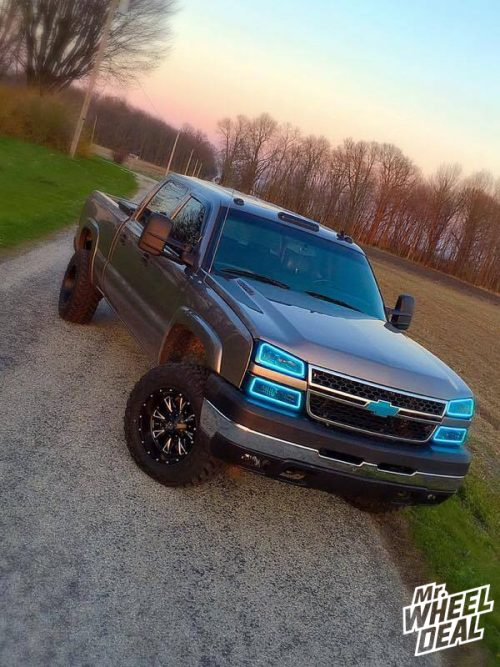 """2006 Chevy Silverado 2500HD with 18x10"""" Fuel Off-Road Throttle wheels -24mm offset with 285/65/18 Nitto Trail Grappler tires"""