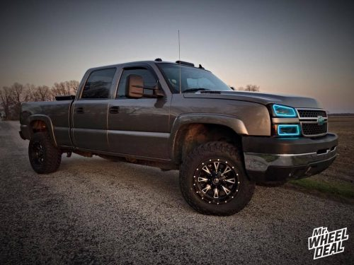 18x10 Fuel Throttle wheels -24mm offset with 285/65/18 Nitto Trail Grappler tires on a 2006 Chevy Silverado 2500HD
