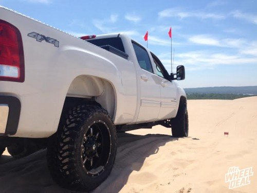 """20x10"""" Fuel Krank wheels with 33x12.50r20 Toyo Open Country MT tires on a 2008 GMC Sierra 2500"""