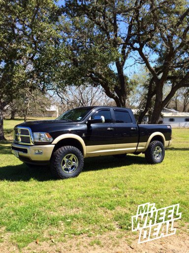 """18x9"""" V TEC Wizard Wheels with 35x12.50x18 Nitto Trail Grappler Tires on a 2011 Ram 2500"""