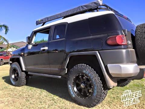 "17x9"" Raceline Assault Black +0 wheels with LT285/70/17 Kelly TSR tires on a 2011 FJ Cruiser"