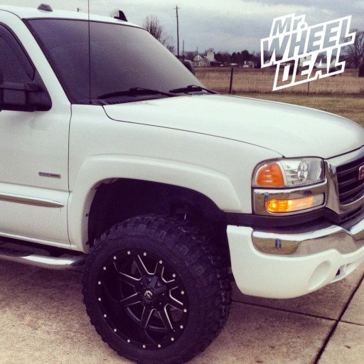 """20x12"""" Fuel Off-Road Maverick Wheels with 33x12.50x20 Federal Couragia MT Tires on a 2006 Chevy Silverado 2500"""