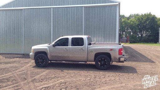 2007 Chevy Silverado 1500 with 20x9 Fuel Offroad Hostage wheels with LT295/55/20 Nitto Trail Grappler tires