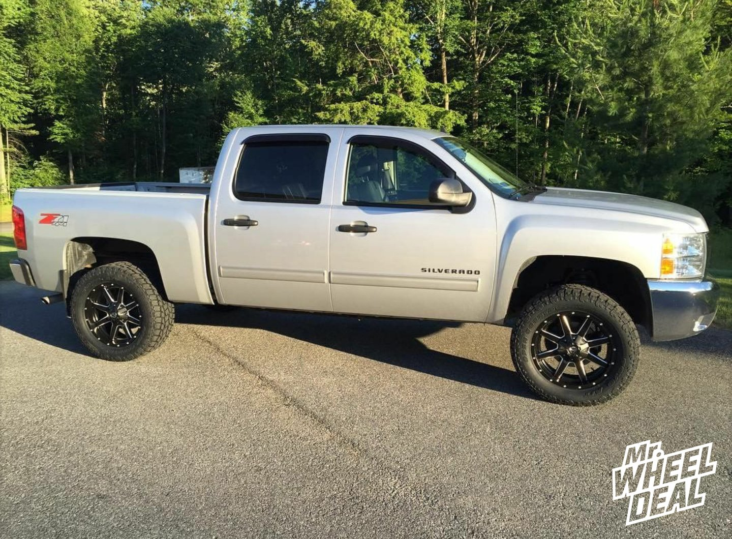 """20x9"""" Fuel Off-Road Maverick +1mm wheels with LT305/55R20 Toyo Open Country AT II tires on a 2013 Chevy Silverado 1500"""