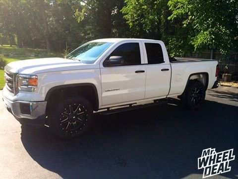 "20x9"" Fuel Off-Road Maverick wheels with LT285/55/20 Nitto Terra Grappler tires on a 2014 GMC Sierra 1500"