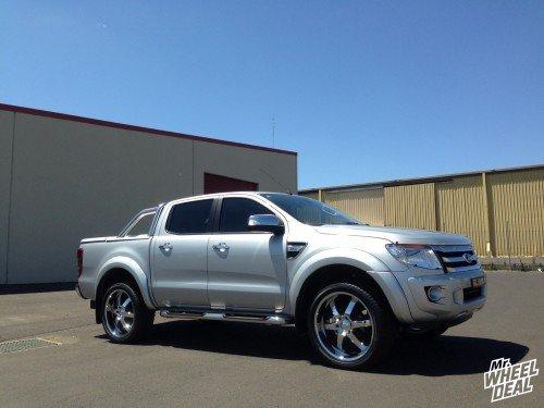 "22x9"" Boss 330 Chrome wheels on a 2013 Ford Ranger"