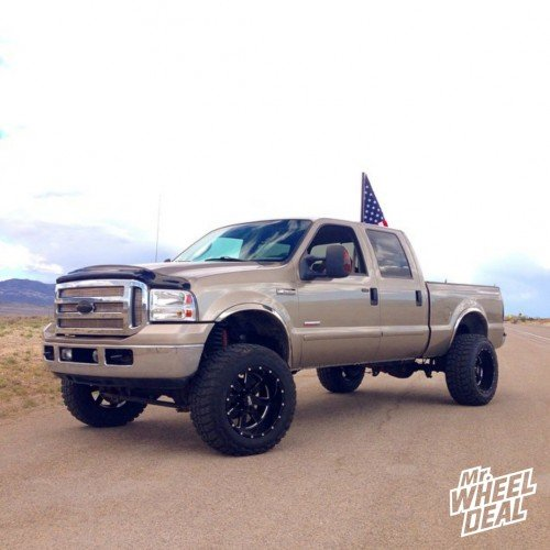 20x12 Moto Metal 962 black wheels with 35x12.50x20 Federal Couragia MT tires on a 2006 Ford F250