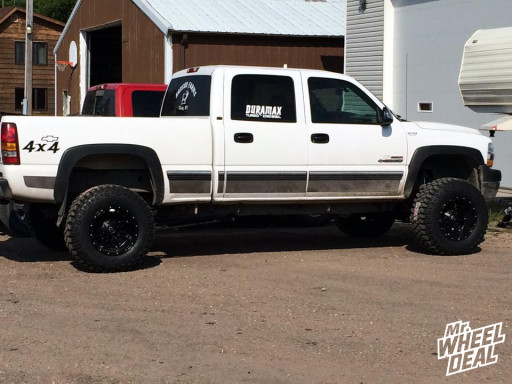2002 Chevy 2500HD with 18x12 Fuel Hostage wheels with LT325/65/18 Mickey Thompson MTZ tires