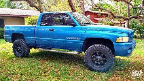 18x9 Fuel Off-Road Octane wheels with 35X12.50R18 Atturo Trail Blade MT tires on a 2001 Ram 1500