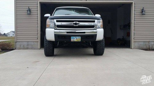 """2010 Chevy Silverado 1500 6"""" lift with 20x9 Black American Eagle 14 wheels with LT305/55/20 Mastercraft Courser MXT tires"""