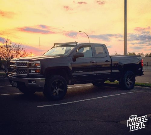 """20x9"""" Fuel Beast wheels +20mm with 33x12.50x20 Federal Couragia MT tires on a 2015 Chevy Silverado 1500"""