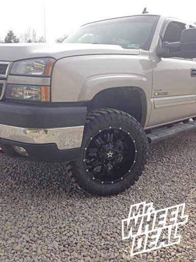 "20x9"" TIS 535B Wheels with 33x12.50x20 Atturo Trail Blade MT Tires on a 2007 Chevy 2500HD"