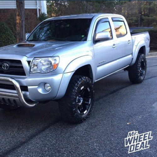 2006 Toyota Tacoma Pre-Runner 6Lug with 18x9 Moto Metal 951 Black -12 offset and 285/65/18 Nitto Trail Grappler MT tires