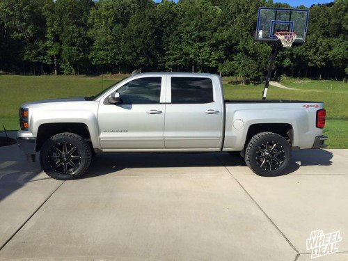 20x9 Fuel Maverick wheels with 33x12.50x20 Toyo Open Country tires on a 2015 Chevy Silverado