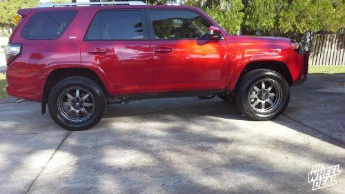 20x9 Fuel Offroad Trophy wheels with +1 offset on a 2014 Toyota 4-Runner