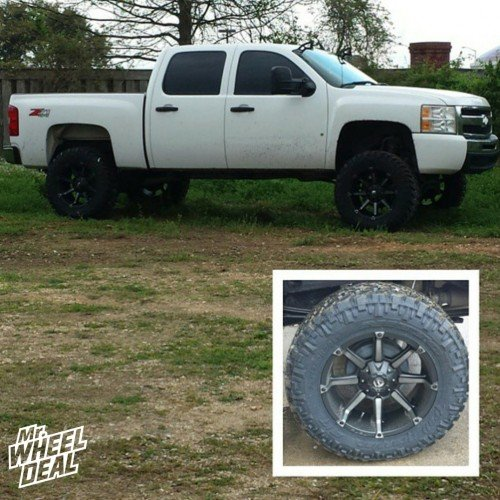 "20x10"" Fuel Coupler Black wheels with 35x12.50r20 Nitto Trail Grappler MT tires on a 2009 Chevy Silverado 1500"