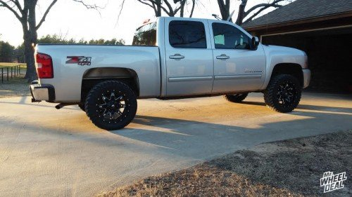 2010 Chevy Silverado 1500 with 20x9 Fuel Off-Road Lethal wheels +1 offset with 33X12.50R20 Atturo Trail Blade MT tires