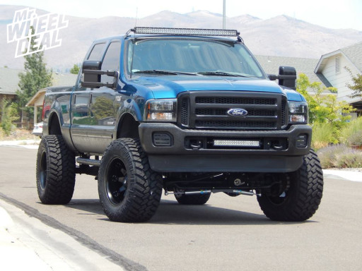 LT38x15.50x20 Nitto Trail Grappler Tires on a 2001 Ford F-250