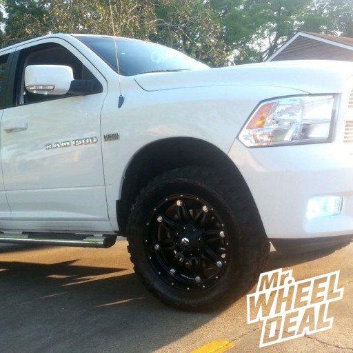 "20x9"" Fuel Off-Road Hostage Wheels on a 2012 Ram 1500"
