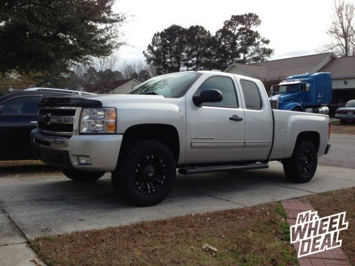 """18"""" XD Series 778 Wheels and Nitto Trail Grappler Tires on a 2011 Silverado"""