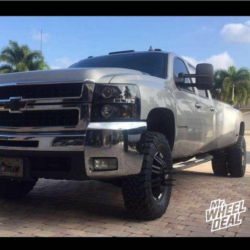 2008 Chevy Silverado 3500 Dually with 17x6 Moto Metal 963 Matte Black wheels and 285-70-17 Toyo Open Country MT tires