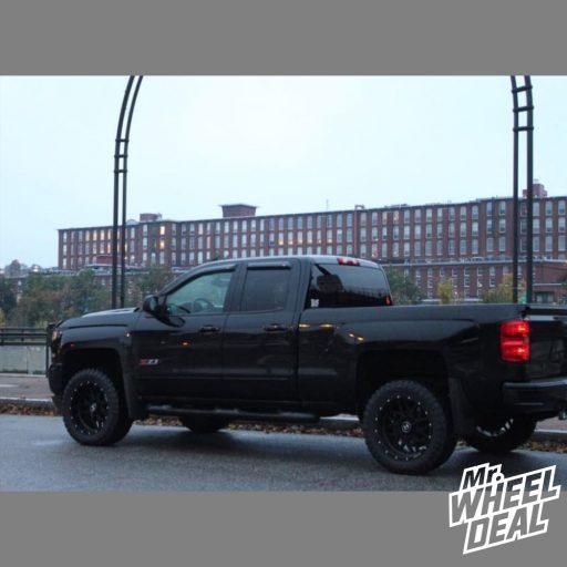 20x10 Hostile Sprocket -19mm Black wheels with 33x12.5R20LT Atturo Trail Blade MT tires on a 2017 Chevy Silverado 1500